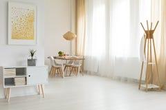 Interior brillante y simple foto de archivo libre de regalías