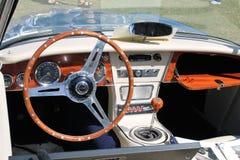 Interior británico clásico del automóvil descubierto Fotografía de archivo