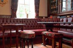 Interior britânico tradicional do bar fotografia de stock