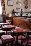Interior britânico tradicional do bar imagem de stock royalty free