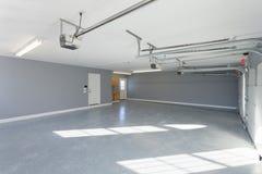 Interior casero del garaje Fotos de archivo