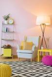 Interior casero rosado hermoso foto de archivo