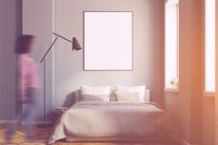 Interior cinzento do quarto com um cartaz tonificado Imagens de Stock
