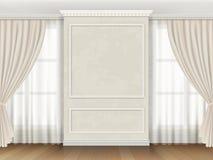 Interior clásico con los moldeados del panel y las cortinas de ventanas Imágenes de archivo libres de regalías