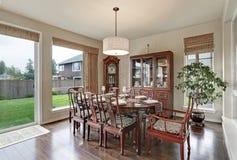 Interior clásico del comedor en casa lujosa Fotos de archivo libres de regalías