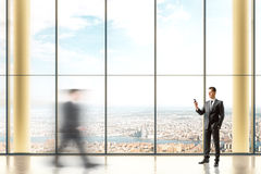 Interior com empresários Fotografia de Stock