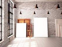 Interior com uma janela no sótão-estilo com cartazes e pinturas Imagem de Stock Royalty Free