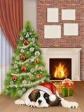 Interior con el perro de la chimenea del árbol de navidad imagenes de archivo