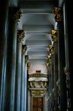 Interior con las columnas Imágenes de archivo libres de regalías