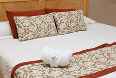 Interior con una cama Fotos de archivo libres de regalías