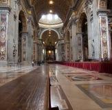 Interior da abóbada Roma de Peter de Saint, Italy. Imagens de Stock