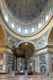 Interior da basílica de St Peter em Roma Fotografia de Stock Royalty Free