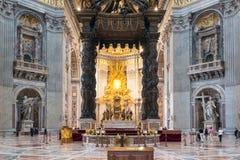 Interior da basílica do St Peter em Roma fotografia de stock royalty free