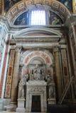 Interior da basílica do St Peters Imagem de Stock