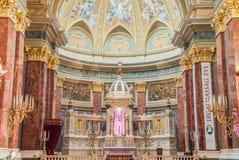 Interior da basílica do St Stephen da igreja católica romana Budapest Fotografia de Stock