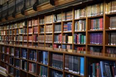 Interior da biblioteca pública Imagem de Stock Royalty Free