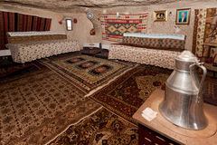 Interior da casa da caverna de Cappadocia Imagens de Stock Royalty Free