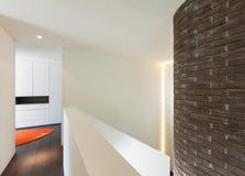 Interior da casa, opinião da passagem Imagem de Stock Royalty Free