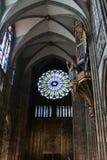 Interior da catedral de Notre Dame de Strasbourg imagem de stock royalty free