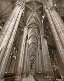 Interior da catedral do domo em Milão, Italia Foto de Stock