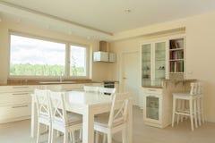 Interior da cozinha luxuoso Fotos de Stock Royalty Free