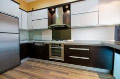 Interior da cozinha moderna Fotografia de Stock Royalty Free