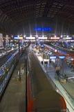 Interior da estação de trem da central de Hamburgo germany fotografia de stock royalty free