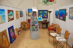 Interior da galeria de arte Imagens de Stock