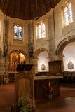 Interior da igreja de São Nicolau em Barfleur Normandy, France fotos de stock royalty free