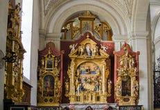 Interior da igreja de St Leodegar ou de St Leodegar de Hofkirche dentro Foto de Stock