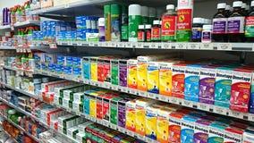 Interior da loja da farmácia imagem de stock royalty free