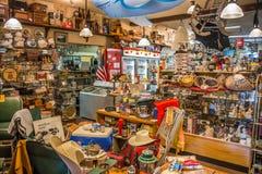 Interior da loja local de segunda mão Imagem de Stock