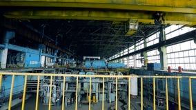 Interior da máquina do central elétrica filme