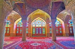 Interior da mesquita de Nasir Ol-Molk, Shiraz, Irã Imagens de Stock