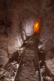 Interior da mina de ouro velho fotografia de stock royalty free