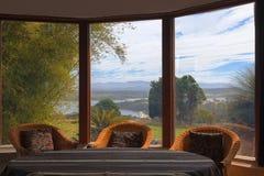 Interior da sala da sala de estar em uma casa do condado austrália Foto de Stock Royalty Free