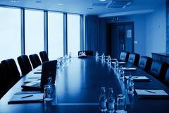 Interior da sala de conferências, monocromático Fotografia de Stock