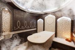 Interior da sauna turca, hammam turco clássico imagem de stock royalty free