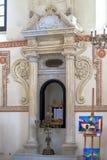 Interior da sinagoga judaica em Zamosc, Polônia imagem de stock royalty free