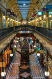 Interior de Adelaide Arcade con las decoraciones de la Navidad Fotos de archivo libres de regalías