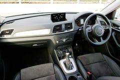 Interior de Audi Q3 30 TFSI 2017 Fotos de archivo libres de regalías