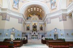 Interior de Charles Borromeo Church en el cementerio central de Vienn Fotos de archivo