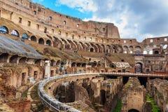 Interior de Colosseum ou de Flavian Amphitheatre em Roma Italy fotografia de stock royalty free