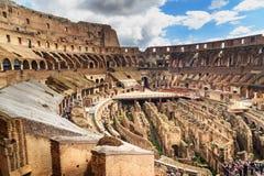 Interior de Colosseum ou de Flavian Amphitheatre em Roma Italy imagem de stock