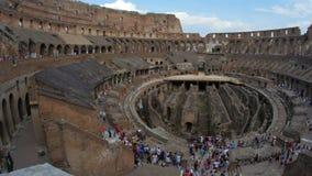 interior de Colosseum, Roma, Italia, timelapse, enfoque hacia fuera, 4k almacen de metraje de vídeo