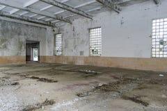 Interior de construção abandonado Foto de Stock