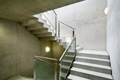 Interior de construção, escadaria foto de stock