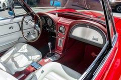 Interior de Corbeta de 1966 rojos el evento 2018 del fin de semana de Grand Prix fotos de archivo libres de regalías
