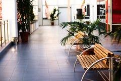 Interior de edificios públicos modernos fotografía de archivo libre de regalías