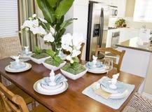 Interior de jantar luxuoso da cozinha Fotos de Stock Royalty Free